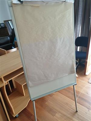 Flip chart stand with 3 pkts paper
