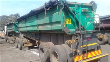 Slashed price on side tipper trailer