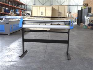 V3-1317B V-Smart Contour Cutting Vinyl Cutter 1310mm Working Area, Stand & Collection