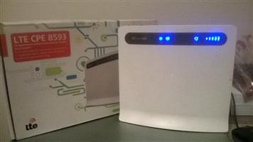 HUAWEI B593s-601 4G LTE Desktop Wifi Router - Mint Condition, Price dropped for quick sale