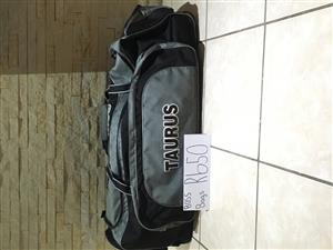 New Assorted Taurus cricket kit bags