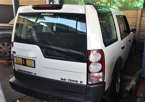 Land Rover Discovery 4 - Stripping for Spares   AUTO EZI