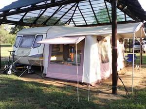 1989 Wilk Emerald Caravan