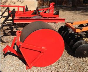 S1001 U Make Tractor Pulled Road Field Roller / Pad Roller Pre-Owned Implement