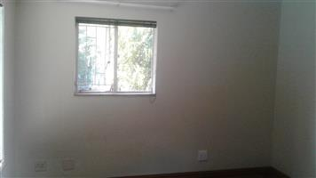OPEN PLAN BACHELORS FLAT TO RENT IN MONUMENT PARK WEST FOR 1 PERSON