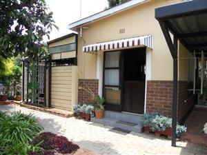 278 34TH AVE (FLAT) - BACHELOR COTTAGE IN VILLIERIA (RAPID RENTALS)