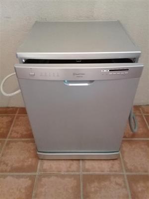 Russel dishwasher/