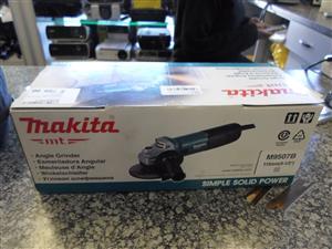 Makita M9057B Angle Grinder