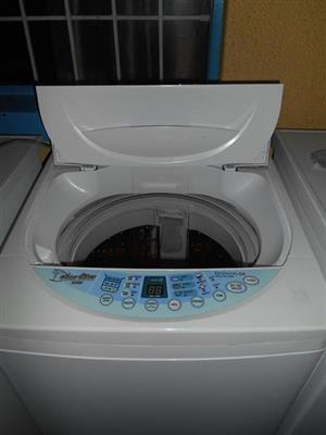 Daewoo 7.2 kg top loader, in 100% working condition !