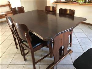 Imbuia eetkamerstel (2 stoele kort aandag)
