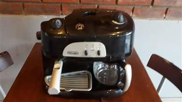 Delonghi Coffee and espresso machine