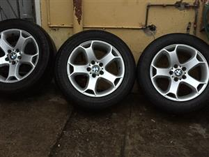 Selling BMW X5 2004 model 18inch rims and tyres in good condition