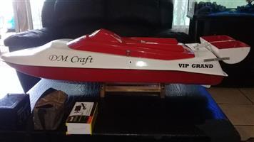 BAIT BOAT DM CRAFT VIP GRAND