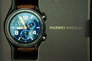 Huawei GT Classic UNUSED Sport Smart Watch Silver with Leather/Silicone strap