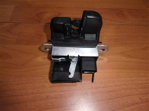 Golf 5 Boot Lock for Sale