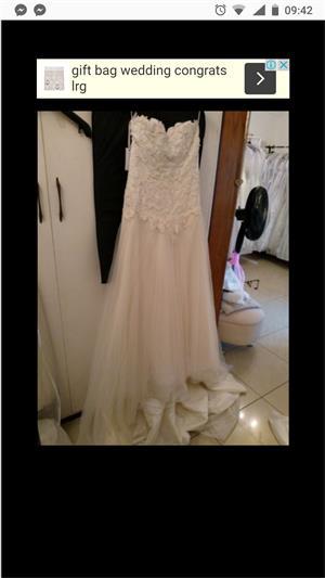Wedding dresses for sale R500-R1000