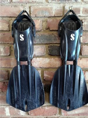 Scubapro Seawing: Size Large to SWAP for Mares Volo or Quattro Plus or Mares Superchannel