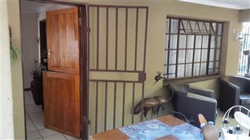 Eenslaapkamer woonstel te huur