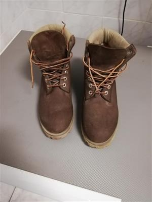 Timberland Boots Size  UK7 Chocolate Brown