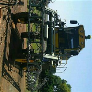 peak 97kw spuiter self propelled