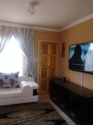3 bedroom to rent in protea glen ext 20
