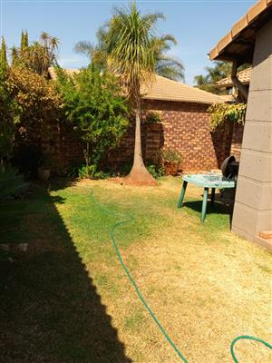 BEAUTIFUL MODERN AND SPACIOUS TOWN HOUSE TO RENT FROM OWNER – CENTURION – CLOSE TO CENTURION MALL / N1 HIGHWAY: