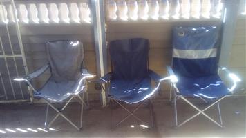 3 Kamp stoele.