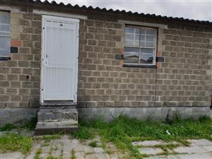 2 Bedroom house for sale in Ravensmead