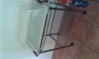 Food heating tray with lid