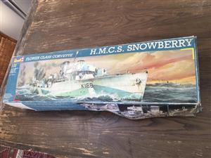 Revell 05061 1:72 Scale Flower class Corvette Naval Ship - a real collectors kit!