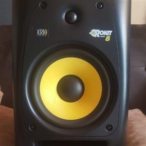 KRK ROKIT8 G2 STUDIO MONITORS AND AUDIO TECHNICA ATS 520 STUDIO VOCAL MIC
