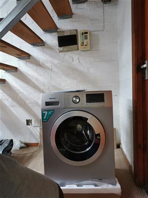 Silver 7kg washing machine on sale