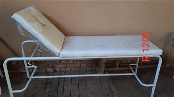 WHITE SALON BED FOR SALE