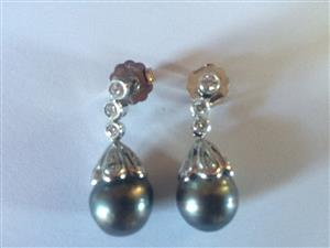 Diamonds and Pearl Earings - PLEASE READ VALUATION CERTIFICATE