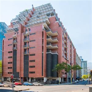 161m2 Offices To Let in De Waterkant
