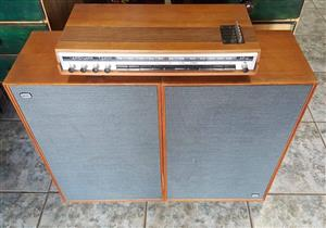 Arena T2400 Amp  Made in Denmark + 2 speakers HT18 4ohm  Only 1 channel working on amp