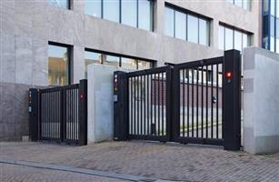 JFD METAL WORKS GATES AND BAGALAS ON CALL/WHATS APP +27710994152