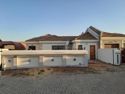 House For Sale in East Rand