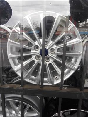 Ford focus alloy mags size 17 still in good condition