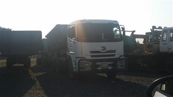 2010+2011 Nissan Ud 460 Horse with Top Trailer side tipper Link
