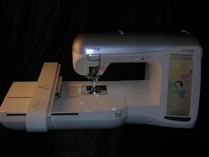 Brother Embroidery Machine Innovis 4000D With LCD Screen