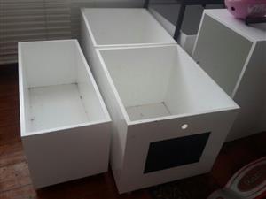 Storage Boxes on wheels x5