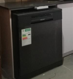 Hisense Dishwasher 14 plate Black