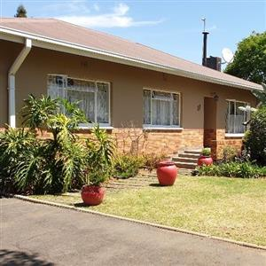 4 bedroom, 2 bathroom House with Granny flat and borehole for sale, Benoni Northmead area