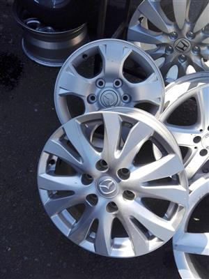 Mazda BT 50 original Alloy mags size  16 and 17 aset