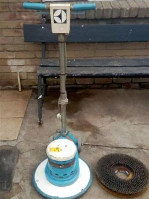 Electrolux industrial carpetcleaner working 100%
