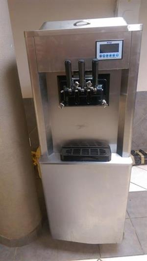 Soft Serve Machine Floor Model – BQ323P