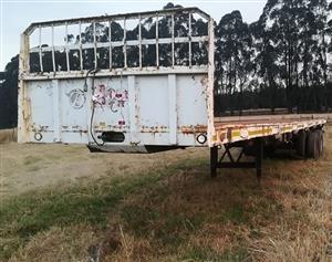 Hendred Fruehauf 12m Flat Deck Trailer - R49 000 + VAT