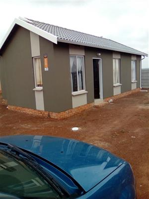 3 bedroom house for sale in savanna city to LET. R 550,000
