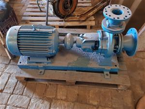 KSB Water Pump  11kw    (Bundle of irrigation pipes included free.)